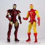 Marvel Universe 2010 Wave 2 - Iron Man - with Secret Wars Iron Man (1024x1024).jpg