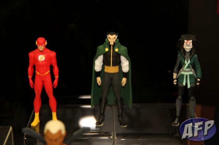 Young Justice (7) (1280x853).jpg