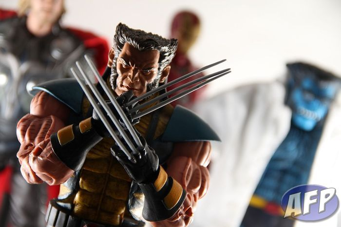 Marvel Legends Icons Wolverine.jpg