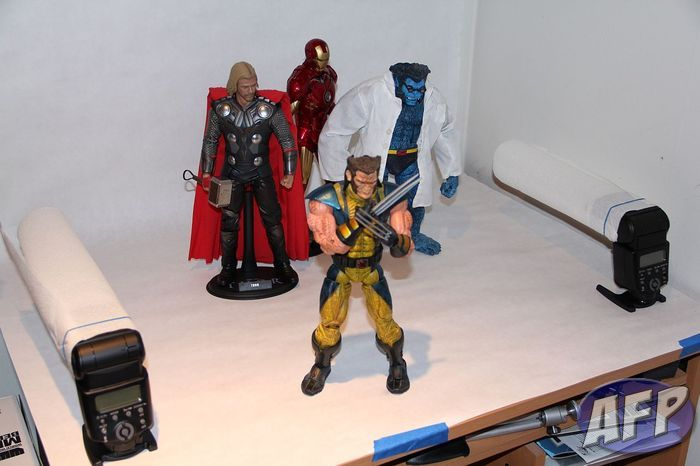 Marvel Legends Icons Wolverine - setup.jpg