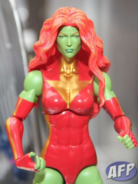 Marvel Legends Savage She-Hulk (2) (958x1280).jpg