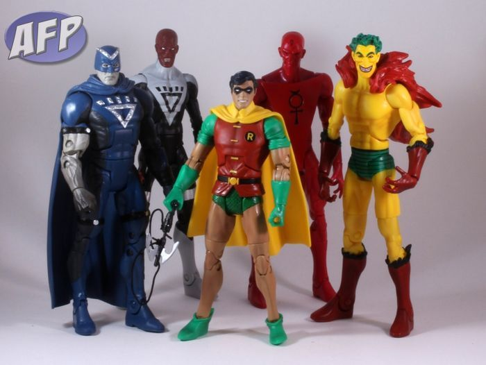 DC Universe Classics Wave 16 Articulation - vanilla pose.jpg