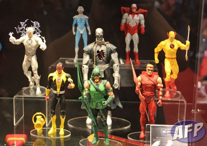 DC Universe Classics Wave 20 (1280x906).jpg