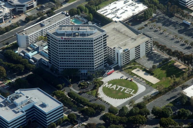Aerial_Mattel_Headquarters_El_Segundo_May_2012