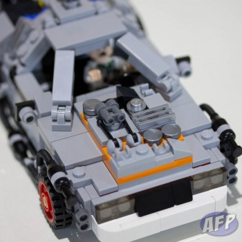 Lego Back to the Future DeLorean Time Machine (11 of 14)
