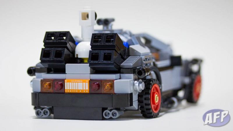 Lego Back to the Future DeLorean Time Machine (12 of 14)