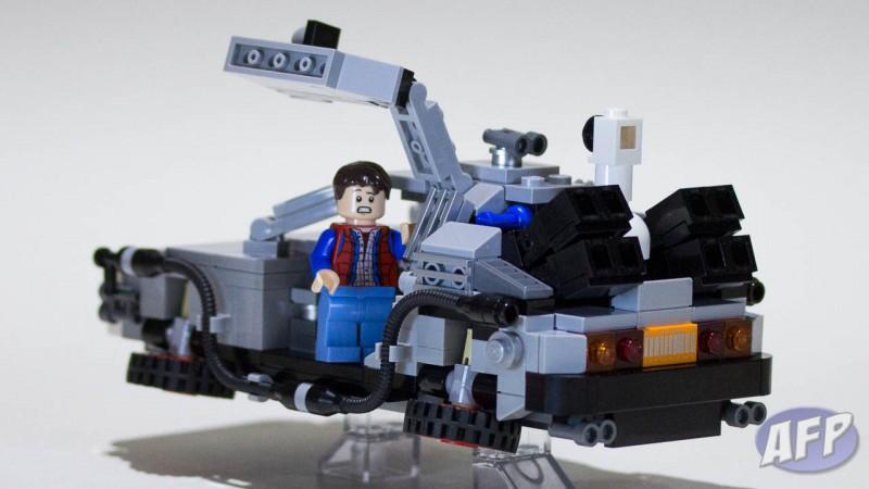 Lego Back to the Future DeLorean Time Machine (13 of 14)