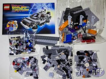 Lego Back to the Future DeLorean Time Machine (4 of 14)