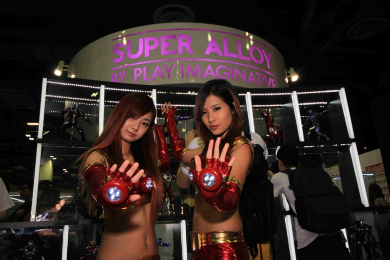 STGCC 2013 Play Imaginative Iron babes