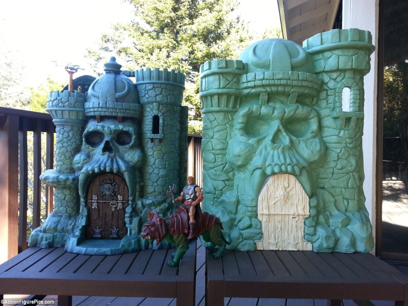 MOTUC Castle Grayskull and Castle of Power 01