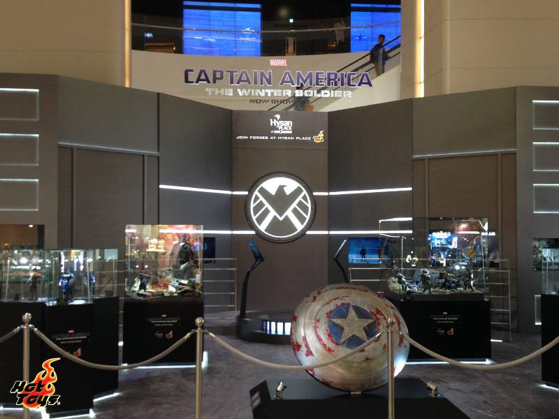Captain America - The Winter Soldier Join Forces at Hysan Place 01