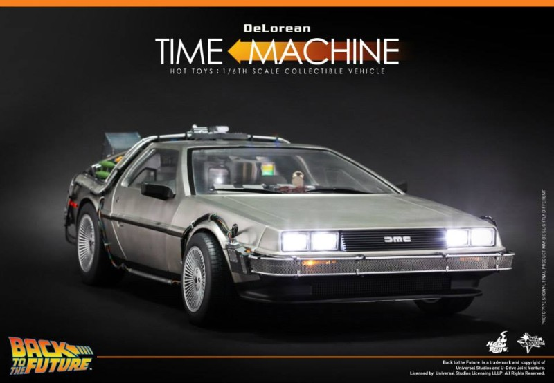 Hot Toys Back to the Future DeLorean Time Machine 01