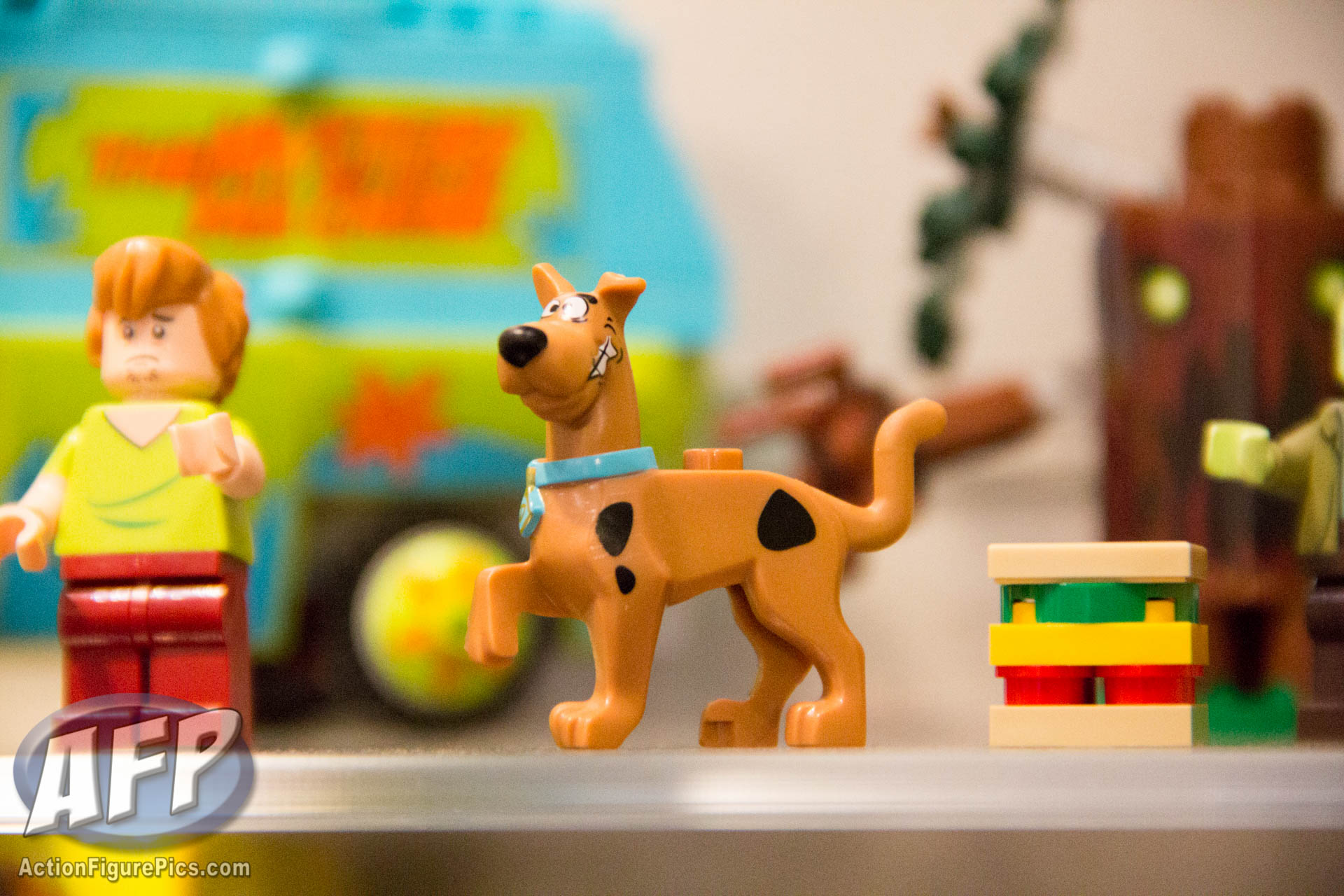 Toy Fair 2015: LEGO Minecraft and Scooby Doo - ActionFigurePics.com