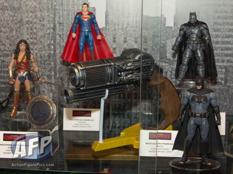 SDCC 2015 Mattel DC Multiverse Batman v Superman (Grappling Gun) Collect and Connect Wave (1 of 11)