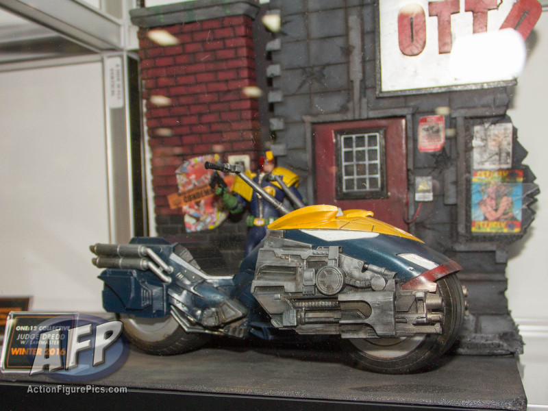 SDCC 2015 - Mezco One 12 Collective (18 of 18)